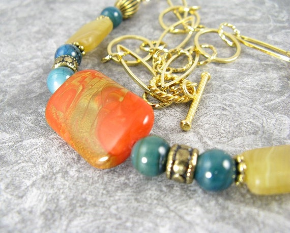 Fun Gold links with bright colors - Necklace