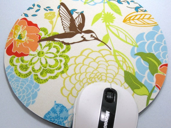 Buy 2 FREE SHIPPING Special!!   Mouse Pad, Round Fabric Mouse Pad or Trivet      Hummingbirds and Dalhias