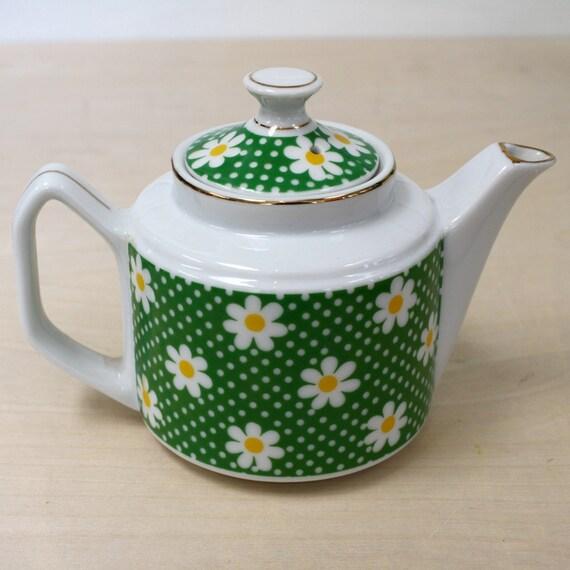 Vintage Daisy Small Teapot
