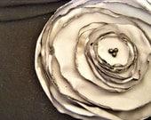 Poppy Corsage in Grey