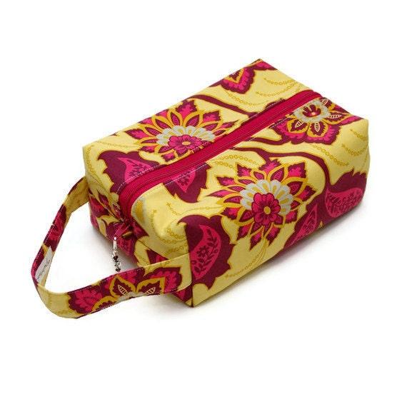 Project Bag Boxy Knitting Bag - Ornate Floral in Garnet