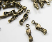 50pcs Antique Brass Tone Base Metal Charms-Spacer-Hand 18x4mm (8326Y-E-69B)