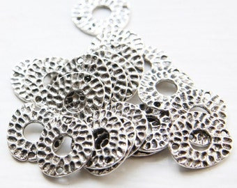 30pcs Oxidized Silver Tone Base Metal Link-Textured Disk-Irregular 18x16mm (9261Y-G-113A)