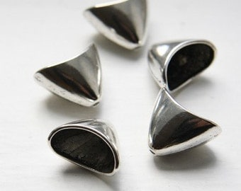 6pcs Oxidized Silver Tone Base Metal Cones-20x16x12mm (9383Y-K-96A)