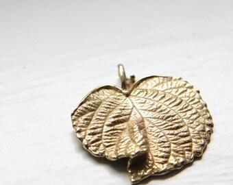 One Non-Tarnishing Bronze Charm-Ivy Leaf 39x36mm (3007)