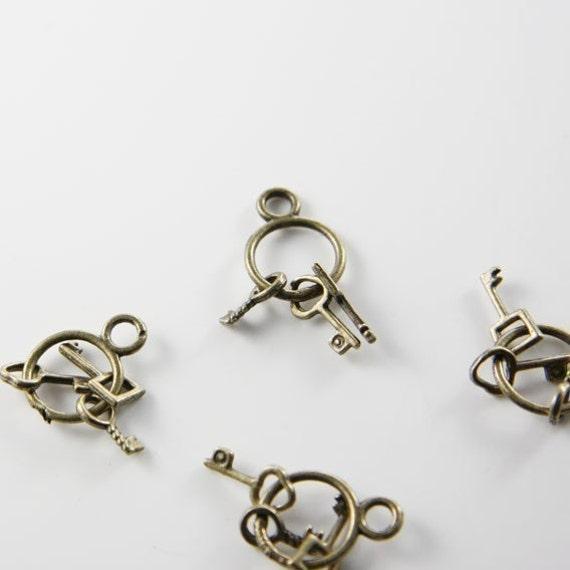 6pcs Antique Brass Base Metal Charms-Key Ring with Keys 25x13mm (1903Y-D-134B)