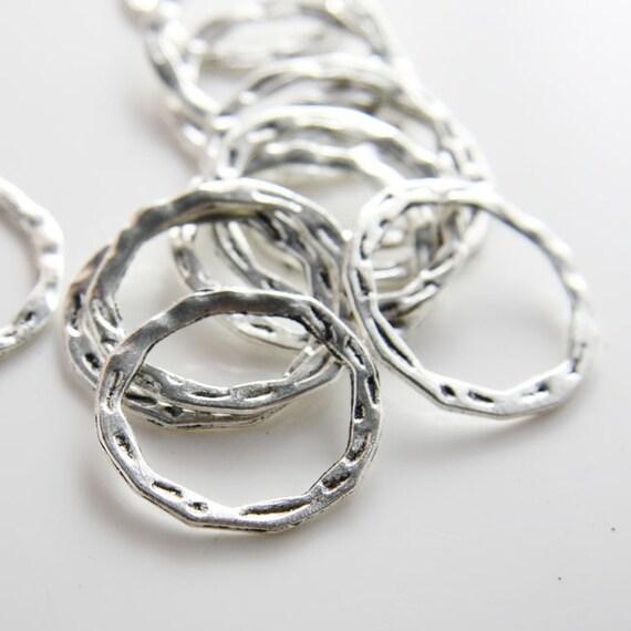 12pcs Oxidized Silver Tone Base Metal Rings- 29x28mm (2361X-D-335A)