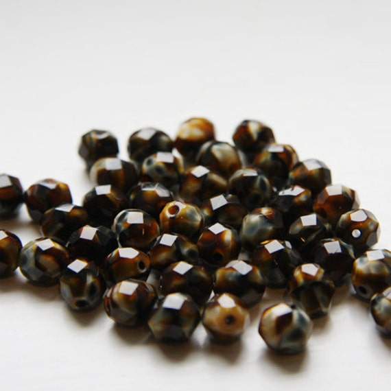 25pcs Czech Fire Polish Faceted Round-Tiger Eye 8mm (FP8302)