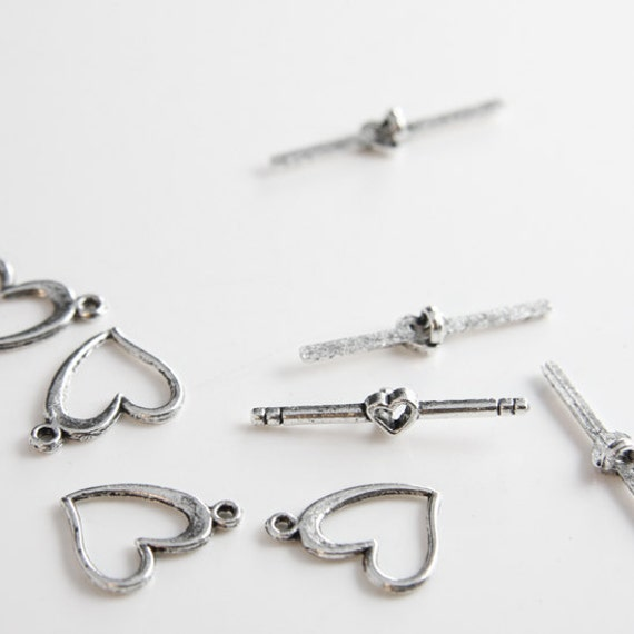 12 Sets Oxidized Silver Tone Base Metal Toggle Clasps (5112Y-K-160A)