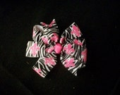 Zebra w/Hot Pink Fluer De Lis Hairbow w/No Slip Grip