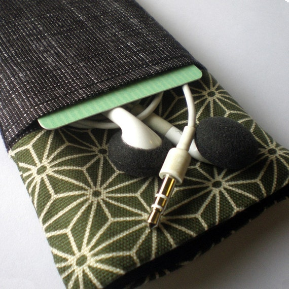 iPHONE COVER with POCKET 3G 4 4s- Olive - padded, ipod touch, camera, travel