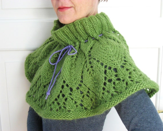 RESERVED - Lacy Leaf Capelet