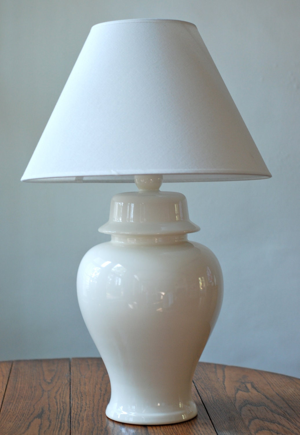 vintage white ceramic ginger jar table lamp. Black Bedroom Furniture Sets. Home Design Ideas