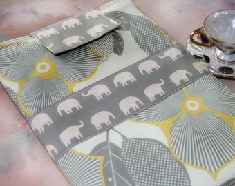 iPad Case, iPad 2 Gase, Geekery Gadget Techee Sleeve in Elephant Elegance