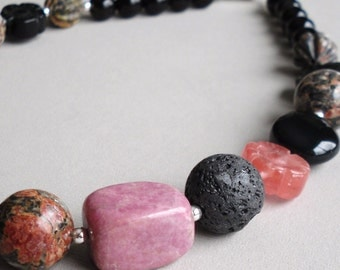 Black Pink Agate Gemstone Beaded - Midnight Kiss Handmade Necklace