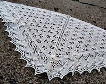 PDF Knitting Pattern  / Pivot Triangular Simple Lace Shawl