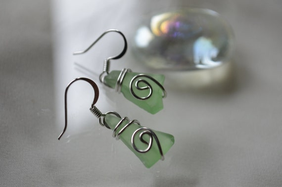 green tumbled glass wire wrapped earrings-christmas earrings-beach wear-inexpensive gift