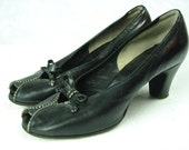 1940's Vintage WWII Swing Era Black High Heel Shoes with Bows Size 7ish