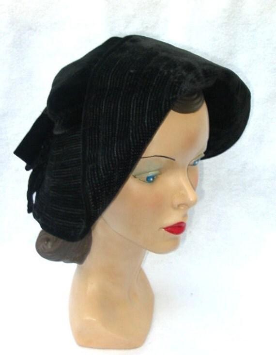 1940's Vintage Black Velvet TriCorne Hat with Open Crown 22