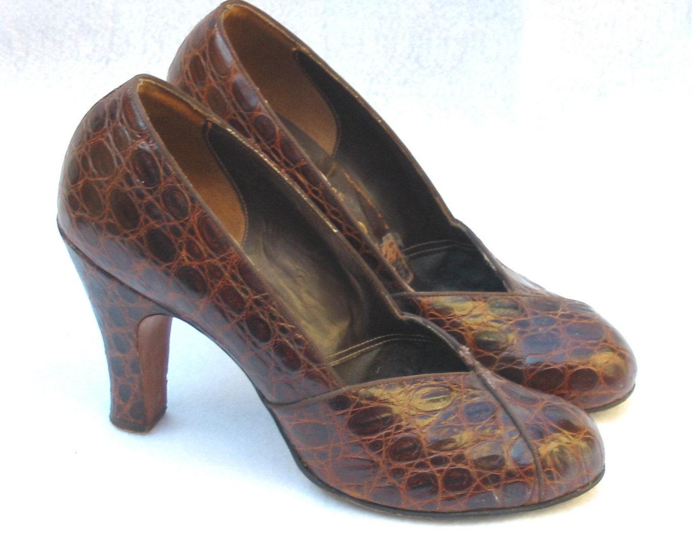 Vintage Alligator Baby Doll Shoes Pumps