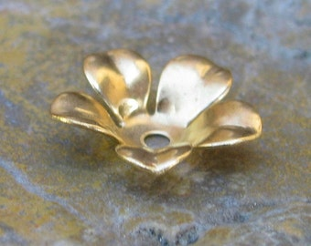 18 Raw Brass Flower Bead Cap Jewelry Findings 670