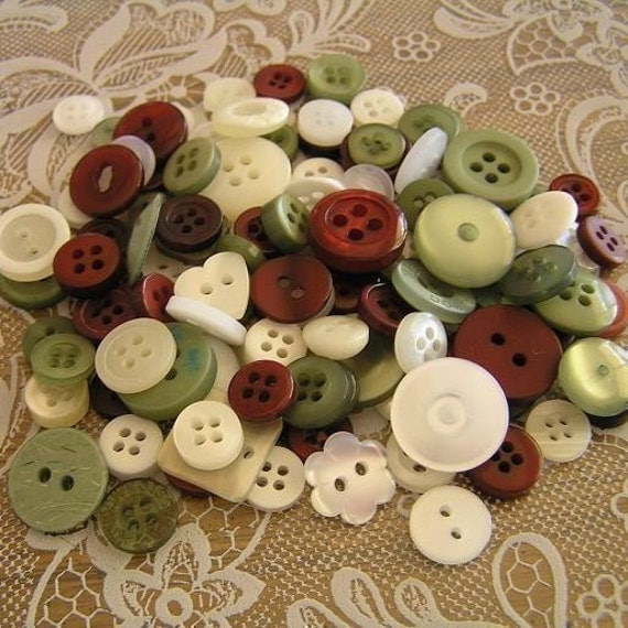 100 Mistletoe Christmas Small to Medium sized Button Mix Red Green White Buttons