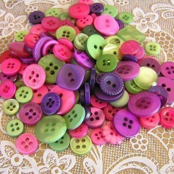 100 Wild Berries HAND DYED Small to Medium sized Button Mix Buttons Raspberry Violet Green