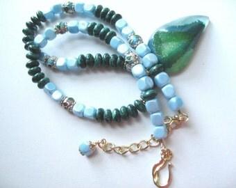 Paisley Green .. druzy agate, chrysoprase, cloisonne, Czech lt. blue glass sqs .. #108