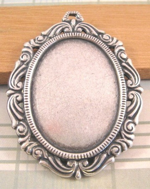 Victorian Oval Settings - Trinity Brass - 40x30mm - Antique Silver