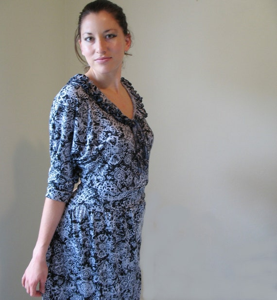 Black And White Cotton Knit Dress Ruffles And Dolman Sleeves
