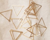 5.5g about 50 pcs newly made brass triangle frame outline die cut stamping charm 23 x 0.5mm with holes