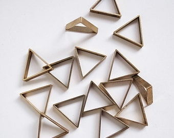 10 pieces of vintage old stock cut raw brass tube outline charm in small triangle geometric shape deco 16x2.5mm