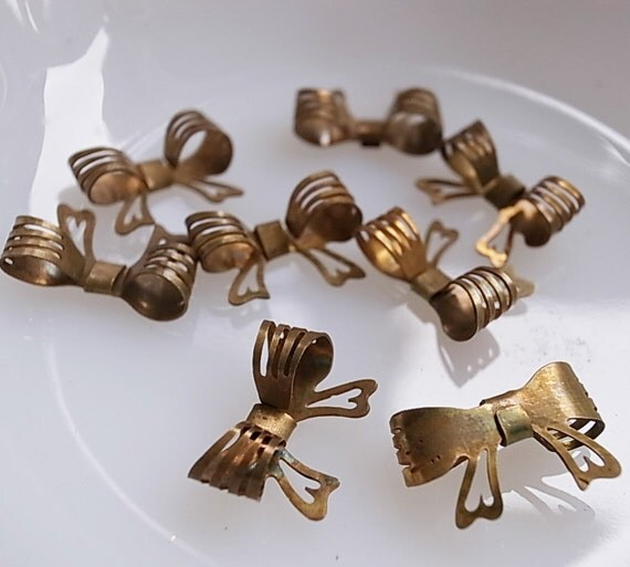 15 pieces of 3d bow charm setting  beads raw brass very cute