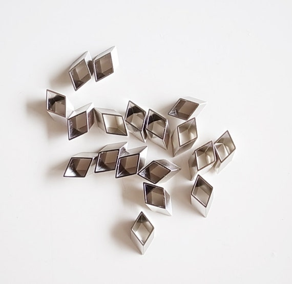 20 pieces of vintage old stock cut raw brass tube outline charm in tiny rhombus plated in steel color 8x3x13mm
