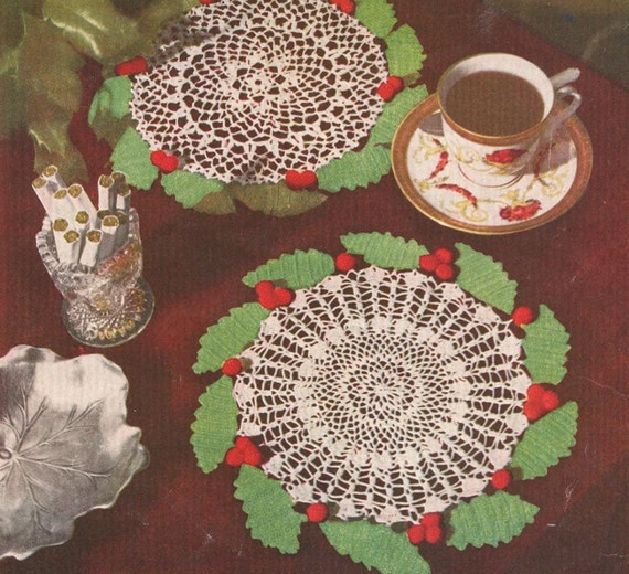 Vintage 1950s Holly Wreath Leaves Berries Crochet Doily with 2 Centers Crochet Pattern PDF 5015