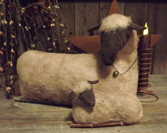 Primitive Sleepy Lamb with  Mother Sheep pdf e-pattern