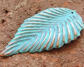 jewelry supplies, VERDIGRIS metal leaf jewelry pendant finding focal 2 pcs