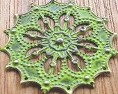 star filigree gypsy star CITRUS green faux patina jewelry supply pendant charm focal 4 pcs