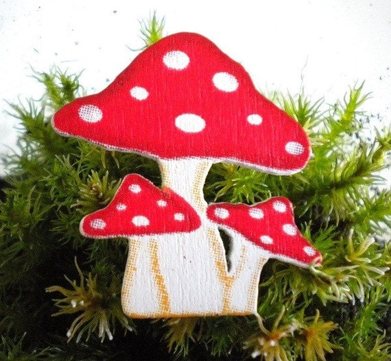 Wooden Amanita Toadstool Mushroom Pin Button Brooch