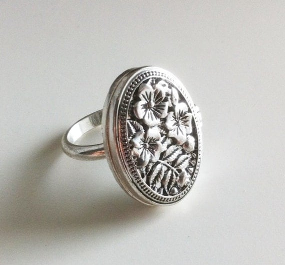 Romantic Silver Locket Ring