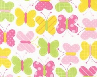 FAT QUARTER - Butterflies on White Urban Zoologie by Ann Kelle AAK-11503-192 Spring