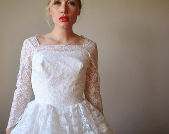 1950s Lace Tiered Wedding Gown, size extra small