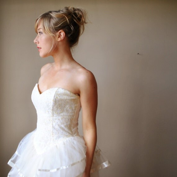 ON  SALE.......80s Tulle And ribbon wedding dress