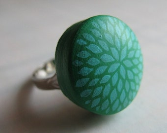 petal burst ring in mint green
