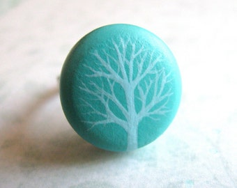 winter tree ring in aqua