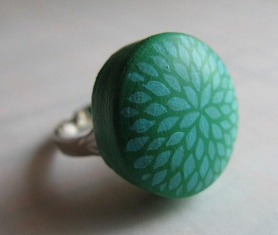 petal burst ring in mint green