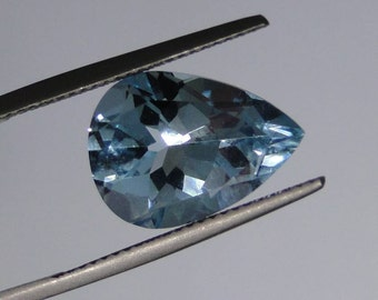 Blue Topaz pear faceted gemstone, 8 carats, 11x15mm                                        081-04-001