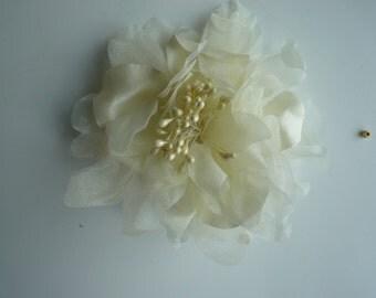 SILK PEONY FLOWER , Bone, Banana Pudding / 648