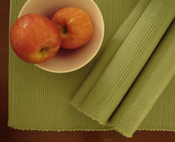 Asparagus green - 6 Place Mats with 6 Napkins
