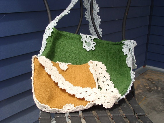 PDF pattern with knit, crochet and sewing.  Iced Fondant purse in two sizes.